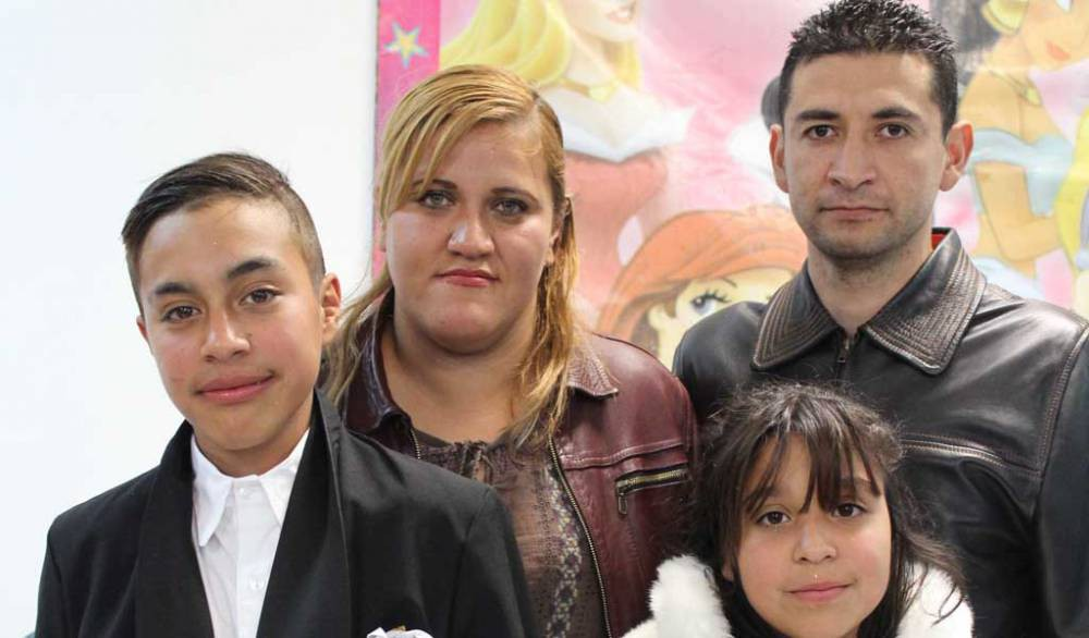 Hermanos festejan su comuni n ntr zacatecas com for 2 hermanos salon